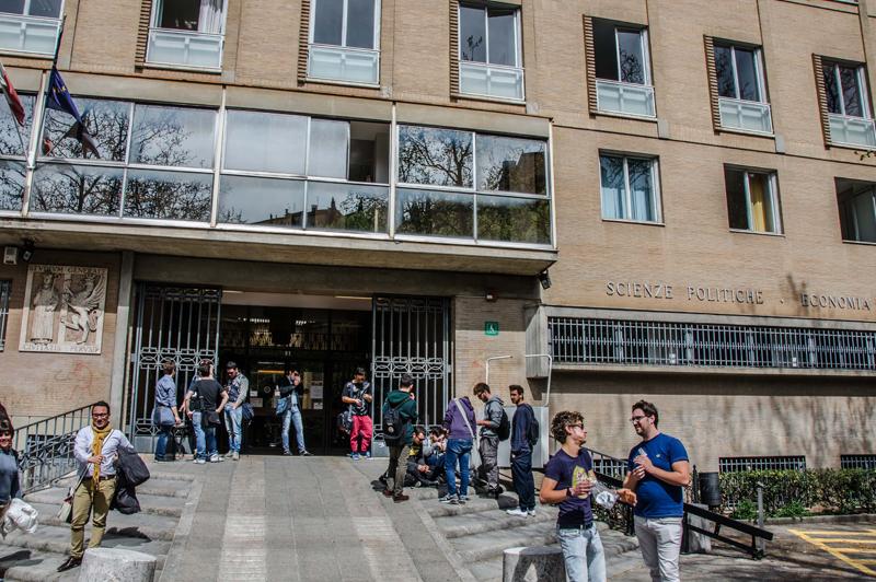 Università di Perugia, a gonfie vele le pre-immatricolazioni. E' ufficialmente aperto dal primo agosto il Punto immatricolazioni dell'Università degli Studi di Perugia.