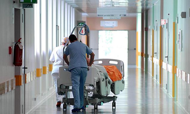 Una corsia dell'ospedale di Terni