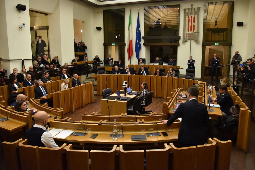 Una seduta del consiglio regionale