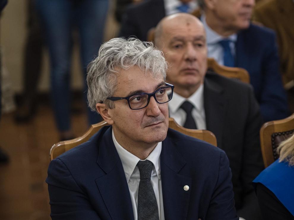 Il rettore Maurizio Oliviero