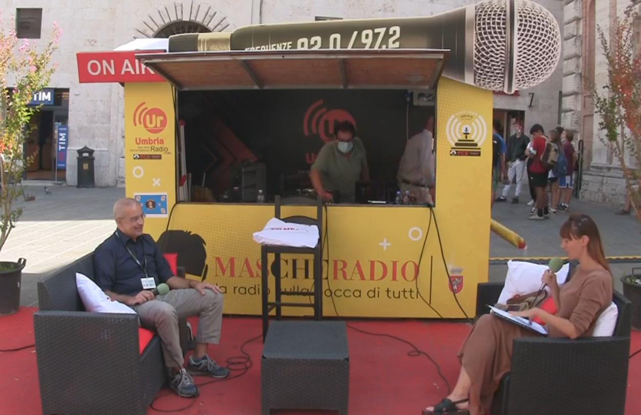 Cristiana Mapelli e Francesco Vignaroli nel programma radio Aperitour