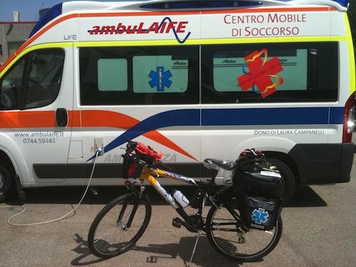 Ambulanza dell'associazione Ambulaife di Terni