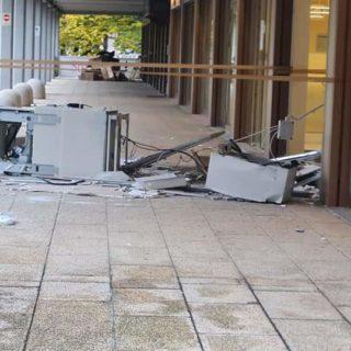 Il bancomat danneggiato