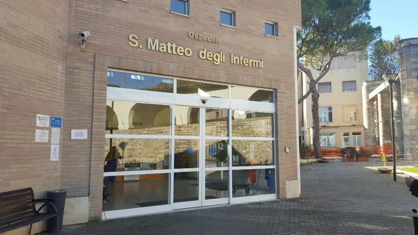 L'ingresso dell'ospedale di Spoleto