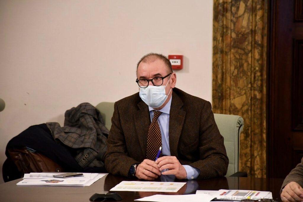 Il direttore generale alla Sanità, Claudio Dario