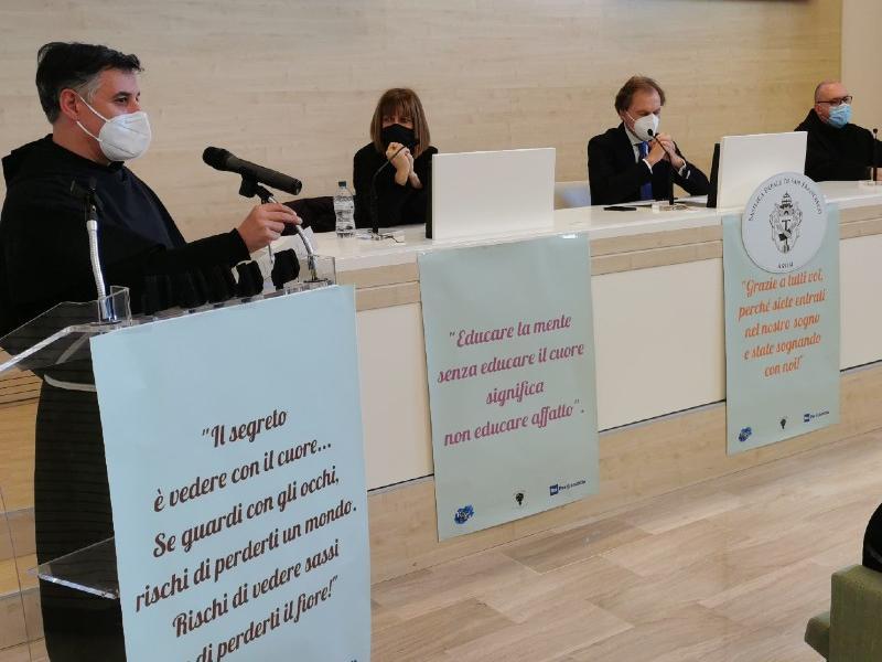 I partecipanti alla presentazione del film alla sala stampa del Sacro Convento di Assisi