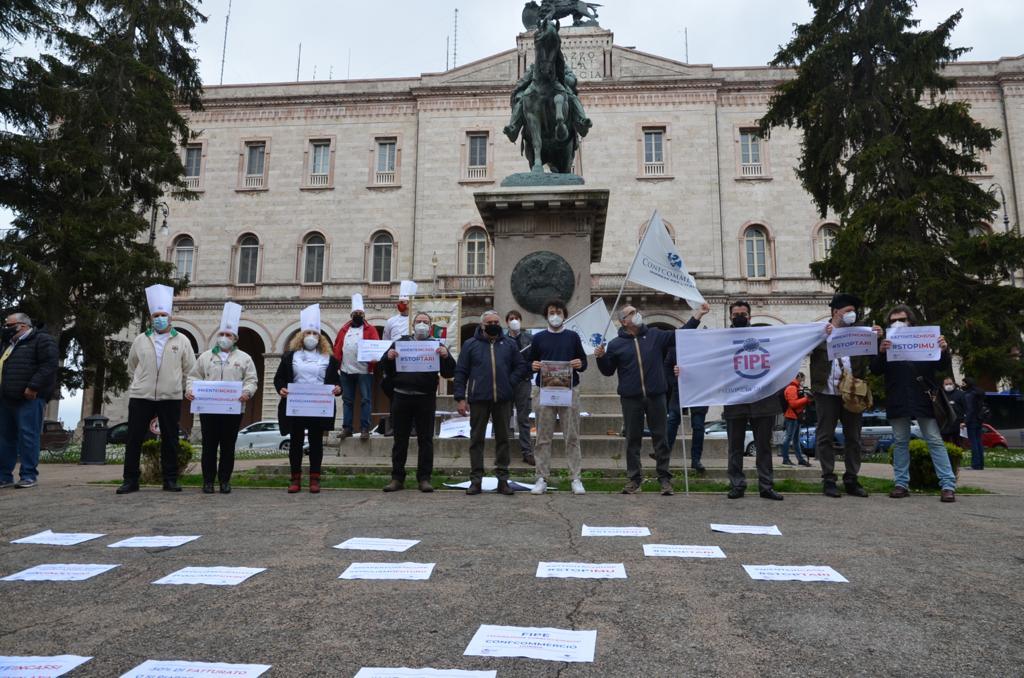la protesta a Perugia dei ristoratori Fipe Confcommercio