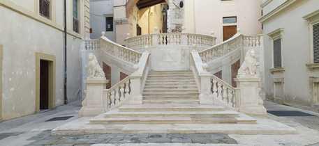 La scalinata di piazza Pianciani a Spoleto