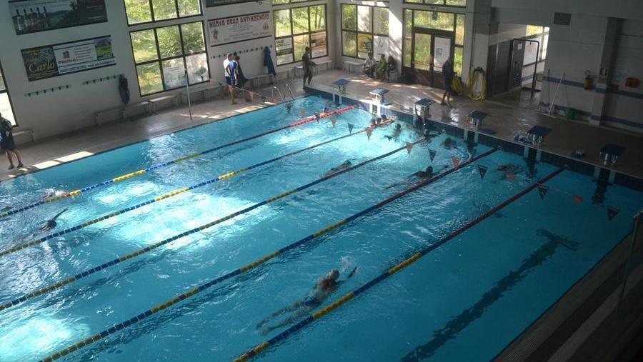 Una piscina coperta